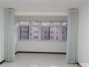 龙馨佳苑3室3厅2卫132平方米
