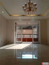 泓景湾3楼4室1厅1卫116万元