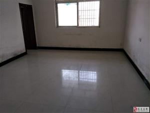 中医院附近3室1厅1卫12000元/年