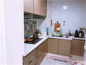 银杏公寓精装两室。楼层好,户型方正,诚售中