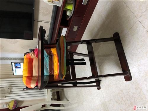 出售全新宝宝餐椅