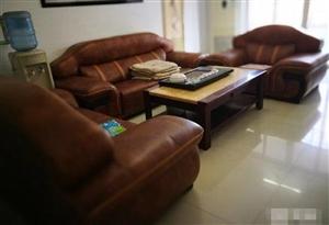 三远江滨花园3室2厅2卫92平方81万元