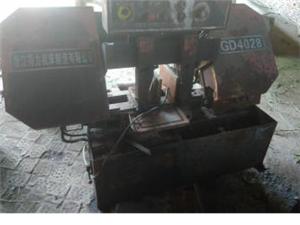 出售锯床一台钻机两台