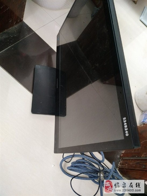 电脑24英寸显示器游戏机械键盘鼠标24寸显示屏