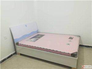 山水郡府2室2厅1卫1400元/月