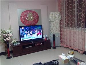 急租盛景华庭三居室,拎包入住年租一万,随时看房。