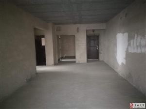 滨江公园清水电梯3室2厅2卫125平63.8万有证