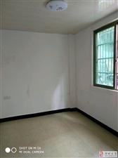 劳英路4室2厅1卫42万元