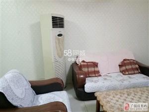 正和小区3楼75平精装带家具+空调800元/月干净