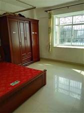 鸿福花园3室2厅2卫98万元