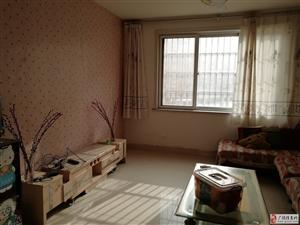 康居花园1楼75平精装带空调850元/月