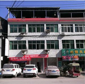 长阳津洋口碧桂园和中医院旁边有一层门面出租