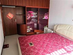 皇家翰林东边3室2厅1卫1500元/月