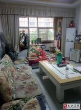 光彩时代公寓4室2厅2卫84万元