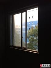 东湖上城4楼毛坯3室2厅2卫