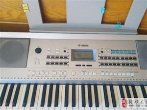现有九成新雅马哈电子琴出售