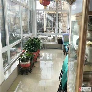 急售锦绣别墅,两层,带100平米院,价格可议,欲购从速!!