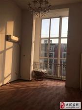 福泽园楼下三室+共享阁楼,大落地窗