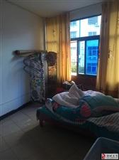 二中附近,3楼,两室一小厅一卫,床,热水器