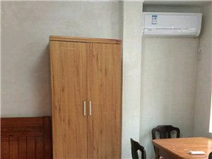 盛唐广场1室1厅1卫950元/月