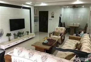 君悦华庭3室2厅2卫2200元/月二期精装修
