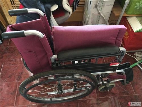 出售二手轮椅,9成新质量优等,方便使用,可折叠