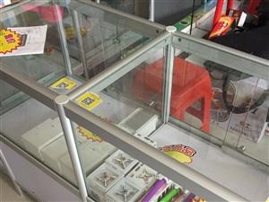 玻璃展示柜出售超级结实,定做了800元,现20