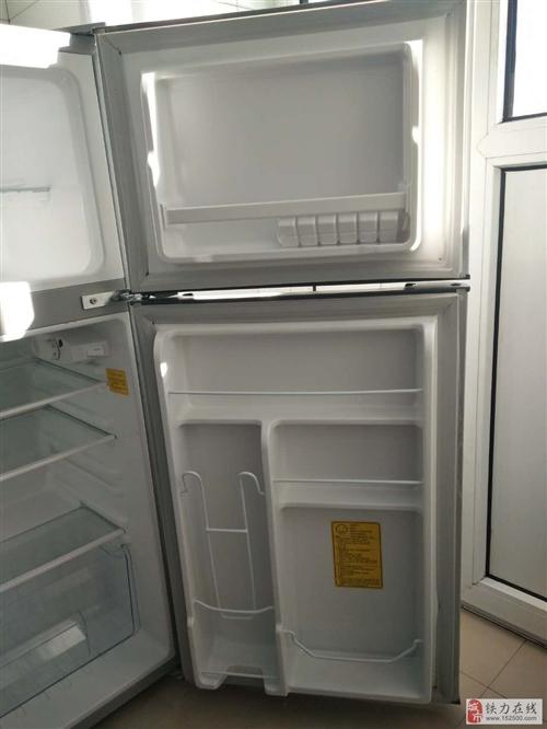 海尔迷你小冰箱全新的700块钱
