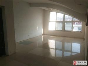 吉泰阳光花园阁楼三室出售证满两年