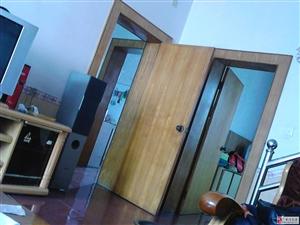 黄金地段华蓥市农业局家属院4室2厅2卫31万元