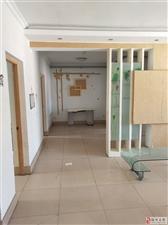 华星小区3室朝阳带储藏室可以先付一半