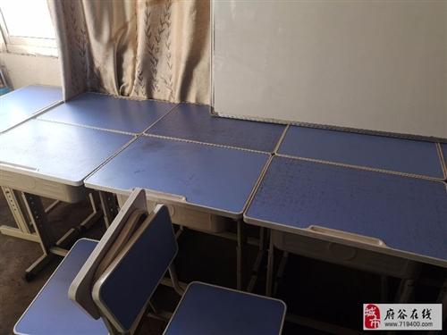 低价出售学生课桌10套