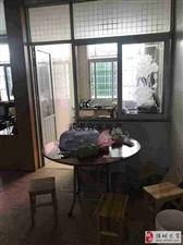 南浦北路大面积3室1厅2卫113万元