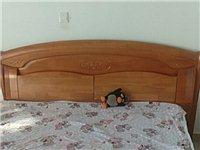 出售:9成新,实木床