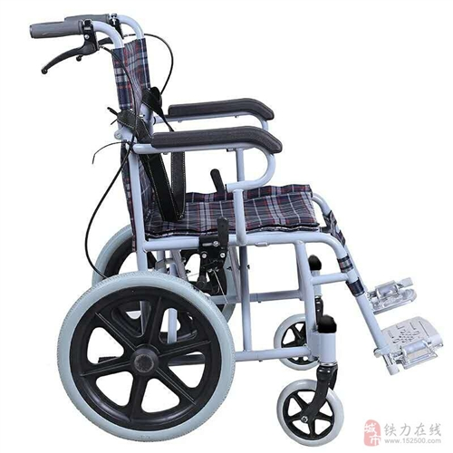 出售老人轮椅折叠轻便,小轮免充气