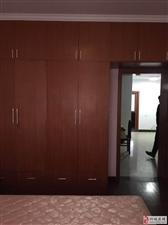 和缘小区精装3室2厅1卫1050元/月