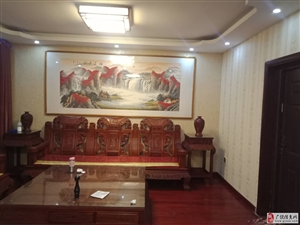 大海经典1楼门头房100平精装8000元/月