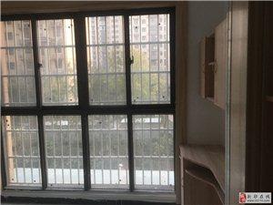 盛世龙城三室两厅一卫1500元/月