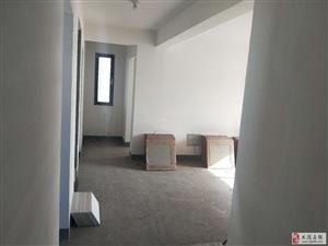 出售剑桥港湾8楼三室通厅位置好看房方便单价低