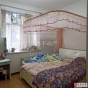 南府华庭(桂花街4号)3室2厅2卫48.8万元