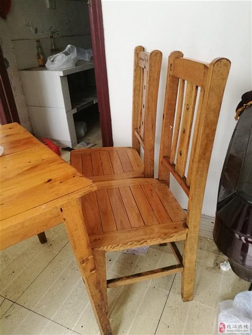 因餐馆转行,需处理一批旧桌椅