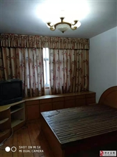 安居苑85平,老装修设施齐全2室1400元/月
