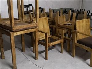 【二手推荐】低价出售二手实木休闲桌椅
