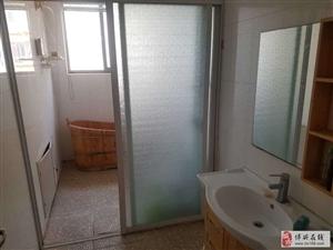 怡和名士豪庭3室2厅1卫1250元/月
