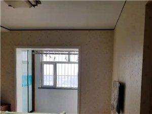 书香世家3室2厅2卫2100元/月