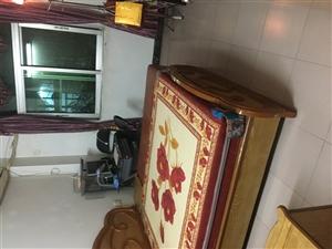 东门新村中等装修,拎包入住,带储藏间,看房方便