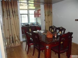 城明花园4室2厅2卫3000元/月