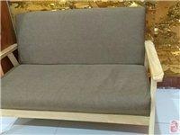 出售两节展柜,一个老板台,一个实木沙发