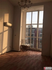 福泽园楼下三室共享阁楼,大落地窗仅售130万