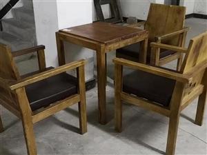 【二手】低价出售二手休闲桌椅一套,超级实用的椅子